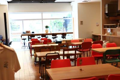 店内2 - ハイタッチ カフェ貸切レンタルスペースの室内の写真