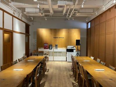 東邦オフィス博多 東邦オフィス博多コワーキングBの室内の写真