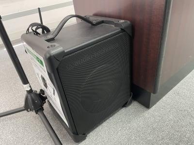 マイク用スピーカー - 朝日ビル 5F 貸会議室の設備の写真