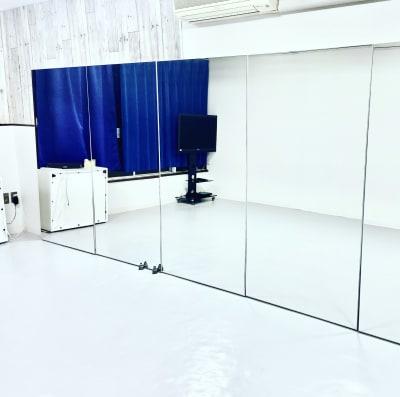 東三国ダンススタジオプラス レンタルスタジオプラス 東三国店の室内の写真