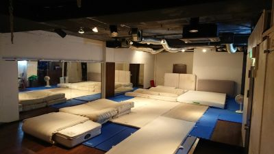 DLスタジオ代々木 ダンススタジオ の室内の写真