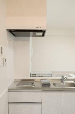キッチンスペース (※調理器具や食器などは設置しておりません) - コントレール池袋要町の設備の写真