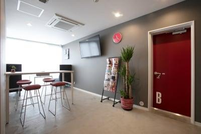 ロビーです。 - TYK STUDIO 【Aスタ】スタジオ、貸し会議室の室内の写真