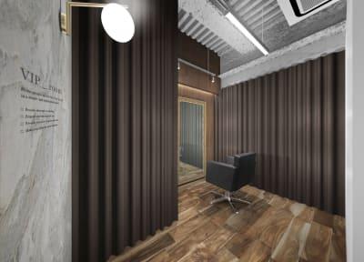 リコ今泉パークサイド サロンスペース モール型 VIPの室内の写真