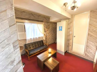 カトルズ@名駅 レンタルスペースの室内の写真