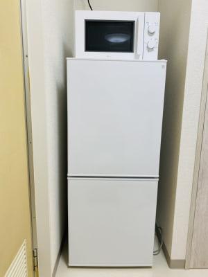 電子レンジと冷凍庫付き冷蔵庫。 - starship駒川中野 パーティーや撮影会、小規模講座にの室内の写真