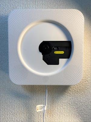 Bluetoothスピーカー付きCDプレイヤー。 - THRUSH駒川 大きな鏡のある個人練習用スタジオの室内の写真