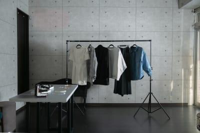 アトリエグラフィア ポップアップスペースの室内の写真