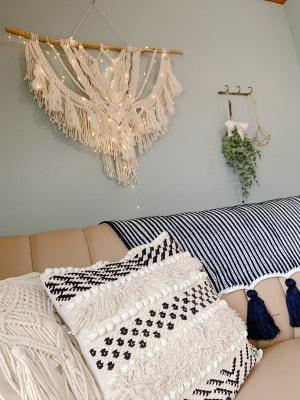 背もたれを倒すとゴロゴロも出来ちゃう可愛いソファでも可愛い写真が撮れますね♡♡ - WITHYOUあたしんち京橋 デザイナーズ【Wityou京橋】の室内の写真