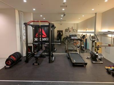 Bike&Run トレーニングスペースの室内の写真