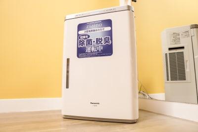 業務用ziaino空間洗浄機、空気清浄機完備。24時間スタジオ内を除菌・消臭しております。 - wi-fi、更衣室、待合室完備の設備の写真