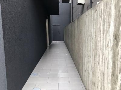 エレベーターへの通路になります。 - 東邦スペース大名582 東邦スペース大名582B⑪~⑳名の入口の写真