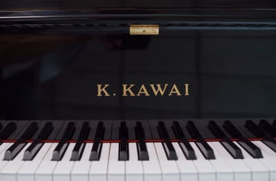 軽いタッチのクリアな響きのピアノです。 - ArtStudio326 グランドピアノ完備スタジオの室内の写真