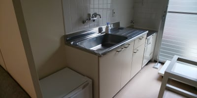 冷蔵庫はご自由にお使い下さい。 ガスは通っていません。 - ArtStudio326 グランドピアノ完備スタジオの設備の写真