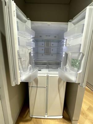 お客様で自由にご利用いただける冷蔵庫をご用意いたしました。 - ルーフラッグ賃貸住宅未来展示場 3階 ミーティングルームの設備の写真