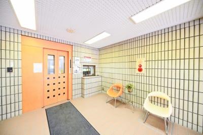 札幌JOW2ビル 100m2の広々多目的スペースの入口の写真