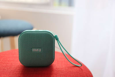 Bluetooth接続のスピーカー。上のボタン長押しでお手持ちのスマホなどと繋がります - スタジオcoco+(ココプラス)の設備の写真