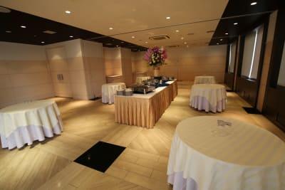 ステラパーティールーム - ステラコート 神戸三宮 ステラカンファレンスルームの室内の写真