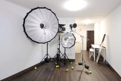 特大サイズの機材もつかえます。 - STUDIO AIR-KOBE- 神戸最安レンタルスタジオ!!の室内の写真