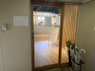 Nable Studio カフェスペースの入口の写真