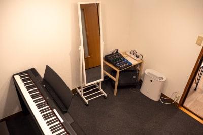 A Studio - ワオン・スタジオ御茶ノ水 Aスタジオ(電子ピアノ4帖)の室内の写真