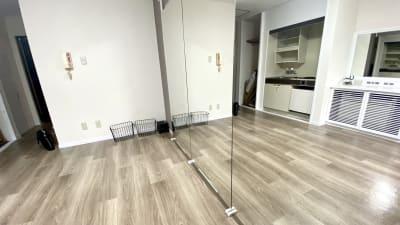 シンプルな四角い間取りで多くの方に気に入られております♫ - レンタルスタジオMU'S心斎橋 レンタルスタジオMU'S心斎橋店の室内の写真