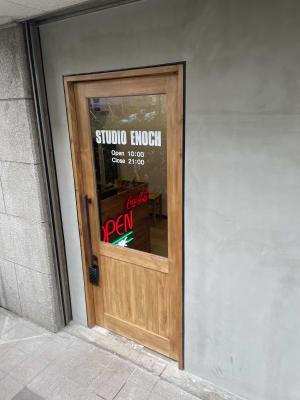 STUDIO ENOCH 多目的レンタルスタジオの入口の写真