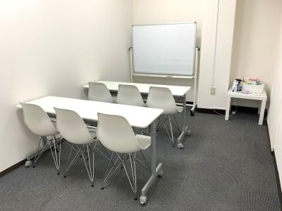 白基調の清潔感のある空間です。 - L&Cスペース日本橋駅前 D号室の室内の写真
