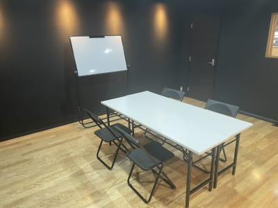 長机、ホワイトボード - STUDIO ENOCH 多目的レンタルスタジオの室内の写真