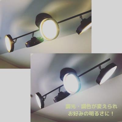 調光・調色が変更できます。お好みの明るさにできるのでネイルやテレワークにもご利用 - レンタルサロンDream3 レンタルサロンDream4の室内の写真