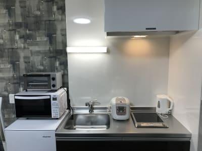 ミニキッチンで料理もできますよ。 - FAERY レンタルスペースの設備の写真