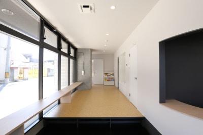 ダンススタジオ・コワーキングスペース利用の方向け - ジョイクランド保育園 レンタル多目的スタジオ・スペースの室内の写真