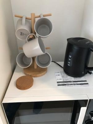ケトルやマグカップのご用意もございます。 - RIVERSUITES 多目的スペース【4階】の設備の写真