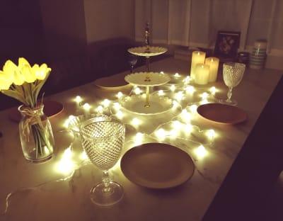 ライトを使ってちょっと特別感を演出したりするのもオススメです^^ - カルペディエム池袋 撮影・キッチン利用に!広さ30㎡の室内の写真