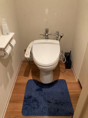 施設内のトイレ  - 占いsalonテラの椅子 レンタル・スペース②の設備の写真