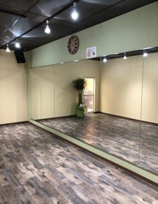 1階 6.8m x 3.8m - レンタルスタジオFreeDom FreeDom 1階スタジオの室内の写真