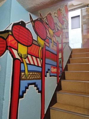 下から階段 - レンタルスペース:Cafe LA カフェスペースの入口の写真