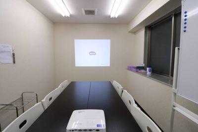 横浜新横浜駅 徒歩6分 会議室 横浜・新横浜完全個室会議室の室内の写真