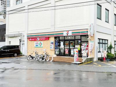テレキューブ セブンイレブン川崎中原区役所前店 112-01の室内の写真