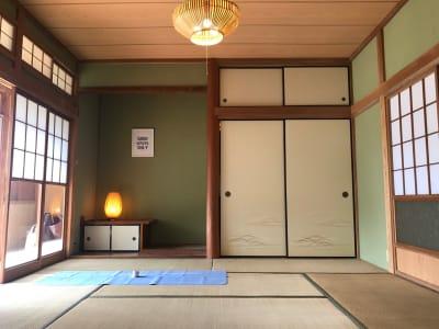 リビング横の8畳和室 - The DAY. 戸建貸切バーベキュースペースの室内の写真