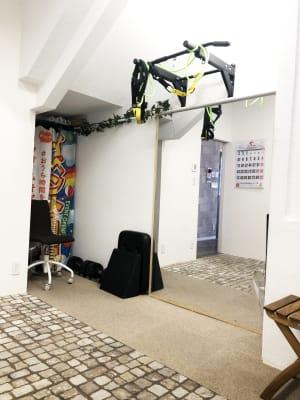 2名様まで入室可能です - トレーニングスペースの室内の写真