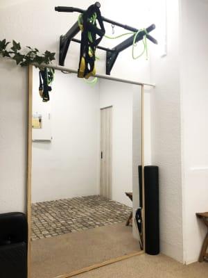 パーソナルトレーニングとして - トレーニングスペースの室内の写真