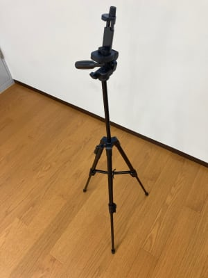 スマホ用三脚 - レンタルスタジオSunny-池袋 池袋駅のダンススタジオの設備の写真