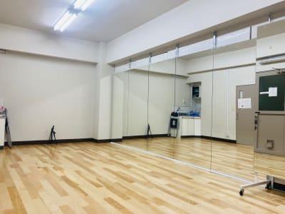 レンタルスタジオSunny-池袋 池袋駅のダンススタジオの室内の写真