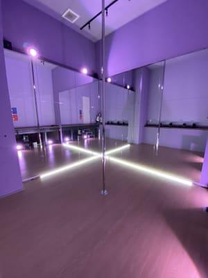 Cスタジオ - ポールダンススタジオUMBER スタジオA,Bの室内の写真