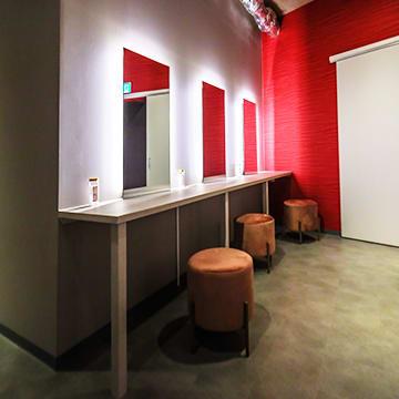 メイクルーム - ポールダンススタジオUMBER スタジオA,Bの設備の写真