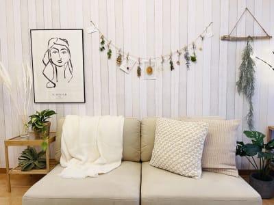 お連れ様と素敵な記念撮影もお撮りください📷✨ - SMILE+パラム天王寺 パーティスペースの室内の写真