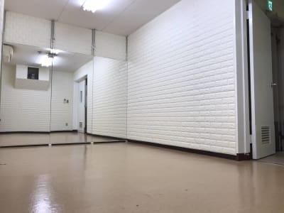 THビル2階Dルーム 多目的スペース(会議室、ダンス)の室内の写真
