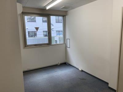 THビル3階Bルーム 多目的スペース(会議、ダンス等)の室内の写真