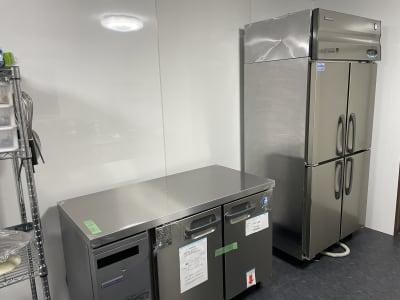 冷蔵庫、冷凍庫完備 -  kitchen ace 菓子製造許可付きシェアキッチンの設備の写真
